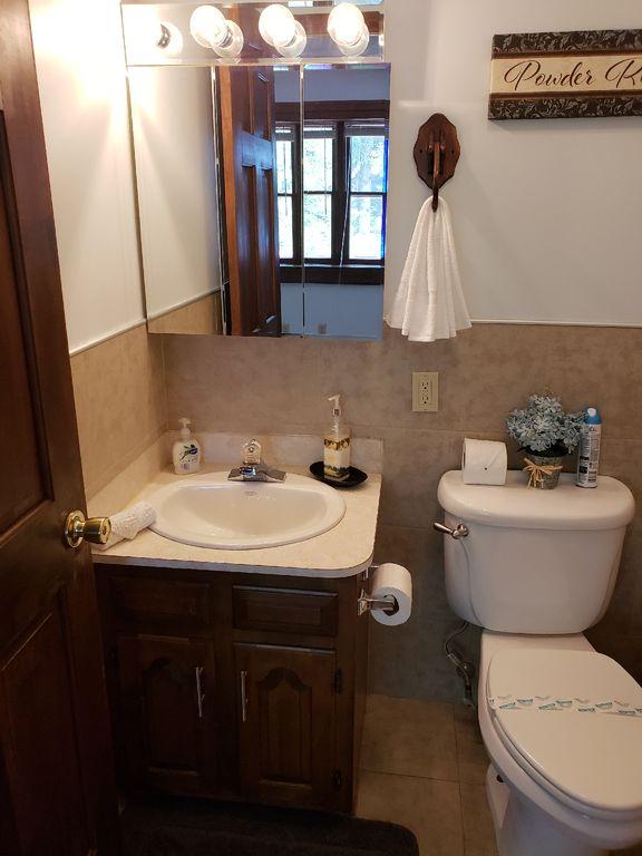 poconos vacation rentals with hot tub