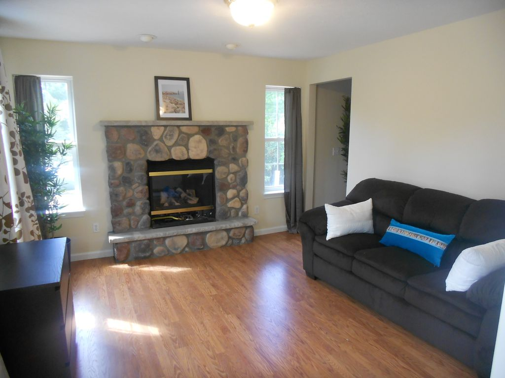 bachelor party house rentals pocono